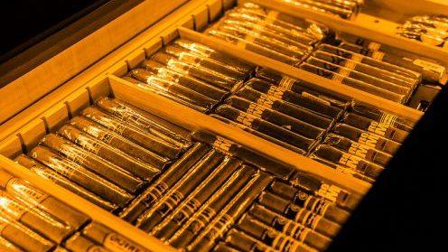 cropped humidor ciagr tuyet tung - Cách bảo quản xì gà