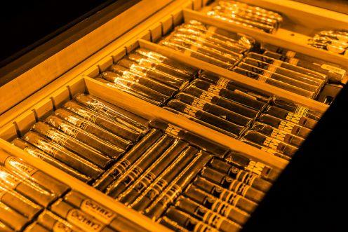 Hộp dữ ẩm xì gà gỗ Tuyết Tùng