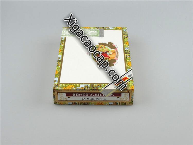 Hộp 10 điếu Romeo Y Julieta Mille Fleurs có kích thước nhỏ hơn hộp 25 nhiều