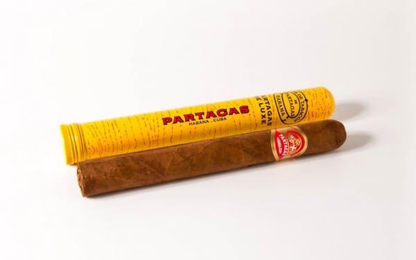 Partagas De Luxe Tubos 3 600x375 - Partagas De Luxe Tubos - 10 điếu