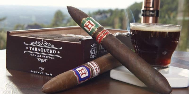 rp hamlet paredes tabaquero 22 800x400 - Làm gì khi hút xì gà bị say