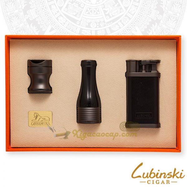 Bộ Set xì gBộ Set xì gà Lubinski Black - 3 món bật lửa, tẩu, gá đểà Lubinski Black - 3 món bật lửa, tẩu, gá để